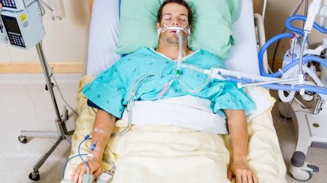 ICU-patient-intubated